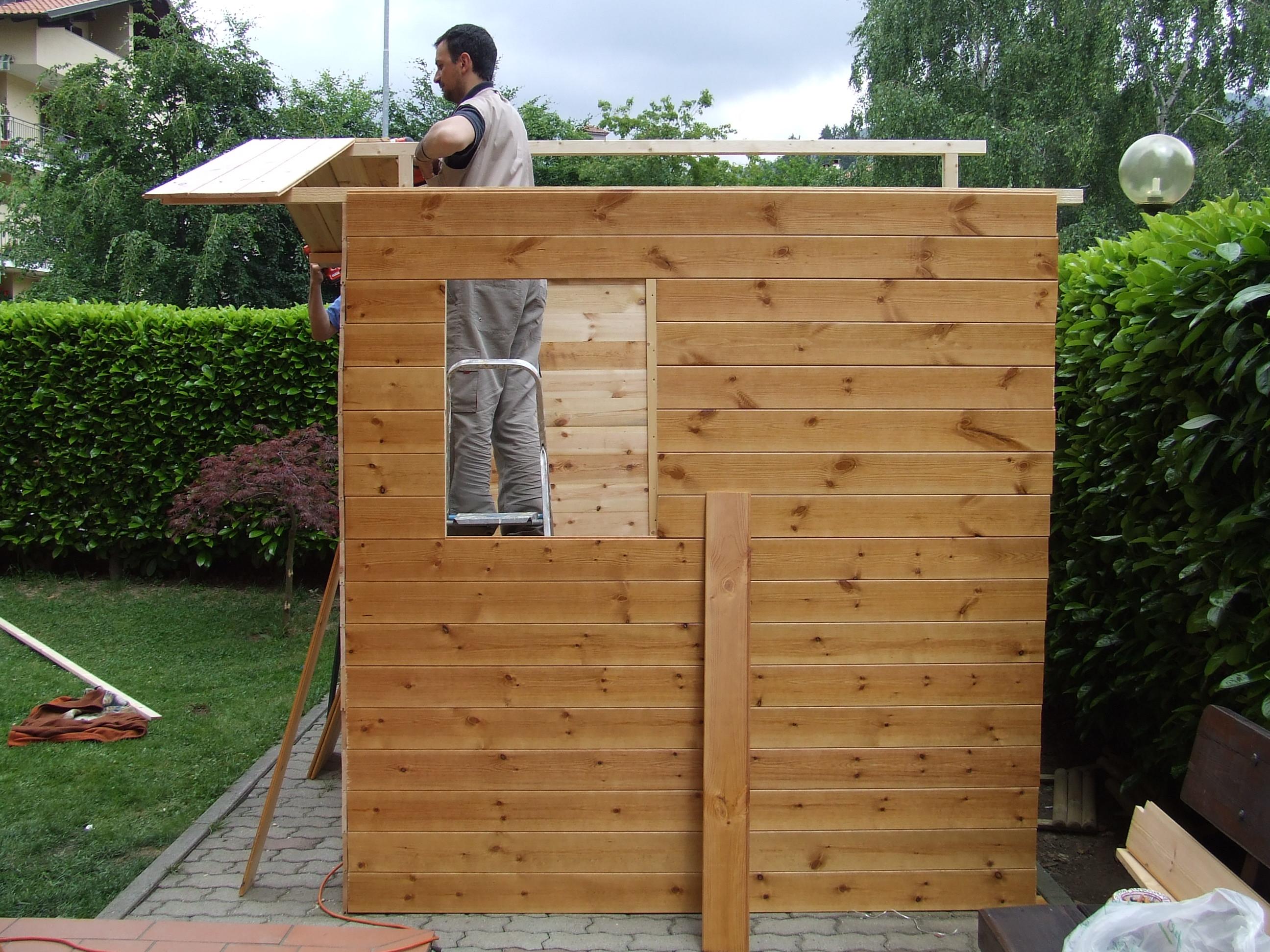 Casetta porta attrezzi in legno fai da te fardasefapertre for Comprare una casa di legno